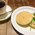 ヒロコーヒー - 料理写真:日替わりコーヒー&ツナマフィン