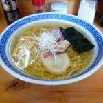 八里九里家 - 料理写真:塩ラーメン
