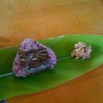 てんtoてん - 古代米おにぎり(肉味噌つき)