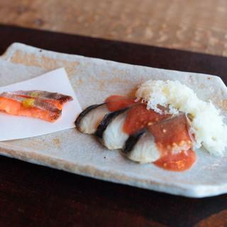 徳山鮓 - 料理写真:熟鮓(琵琶鱒と鯖)
