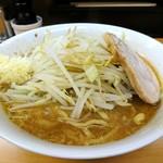 ラーメン ○菅 - 料理写真:ラーメン 野菜マシにしとけば・・・