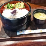 客人 - 料理写真:日替わり定食800円(込)