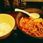 辛麺 真空 - 大盛orライス無料。