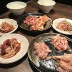 炭火焼肉 ブルスタ - 料理写真:どのお肉もクセなく美味しい♪