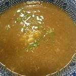 67312343 - 魚介とんこつつけ麺のつけ汁。
