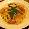 """赤いどうくつ - 料理写真:""""醤油ベース/ソーセージ・野菜""""か?"""