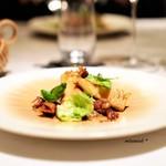 67315514 - コンソメで炊いた筍、  バジルとホタルイカのソース、  芽キャベツとセルフィーユのサラダ