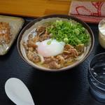 桜製麺 - 肉玉うどん