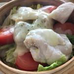 スプーンティ&レストラン - トマトと鶏肉のとろーりチーズ蒸し