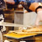 こてつ - 自分で選んだイカを、目の前で調理してもらえるという贅沢感!
