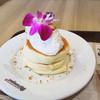 ハワイアン パンケーキ&カフェ メレンゲ - 料理写真:シフォンパンケーキ(1周年記念ver.)