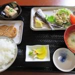 四季亭 - 屋久島おまかせ定食