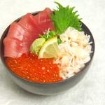 どんぶり茶屋 - 三色丼(まぐろ・いくら・かに)1680円