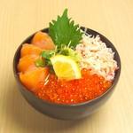どんぶり茶屋 - 三色丼(サーモン・いくら・かに)1680円