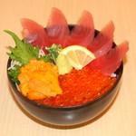 どんぶり茶屋 - 三色丼(まぐろ・いくら・うに)2380円