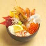 どんぶり茶屋 - 漁火丼 1680円