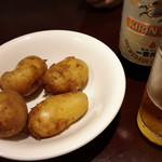 プティフ・ア・ラ・カンパーニュ - まずはジャガバターとビール