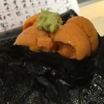 第三春美鮨 - エゾバフンウニ 三年生 潜水器漁 北海道国後島