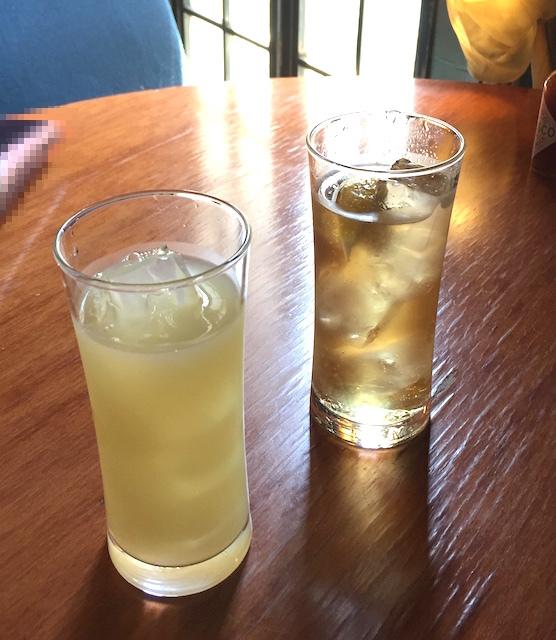 ドッグベリー - 【カクテル】[左]ディタグレープフルーツ・[右]ソコジンジャー 490円(税別)