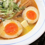 ダボハウス - 味玉&バター(顔みたい)