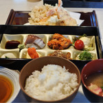 てんぷら酒場 純 - 海老天と野菜かき揚げ定食  800円