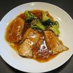 WOLLONG悟龍 - 豚バラ肉の旨煮