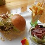道の駅 木の香 - いの志士バーガーセット1278円