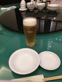 横浜大飯店 - エビス生ビール