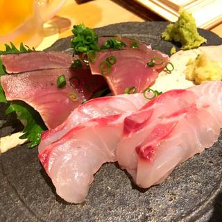 魚店きなり - 真鯛と初カツオのお刺身