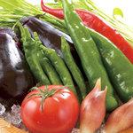 はなの舞 - 新鮮夏野菜は旬のメニュー等に使用