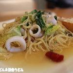 67350257 - 小やりイカと春キャベツのビアンコスパゲッティ