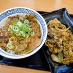 吉野家 - ロース豚丼並盛と牛皿並盛