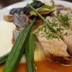 ラ ジルエット - 骨付き桃豚ロース肉のロースト2200円