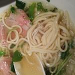 ねむ瑠 - 塩味・麺クローズアップ