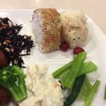 東横INN - 菜っ葉とポテサラとひじき