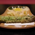 いまい - 鱧とアスパラの天ぷら