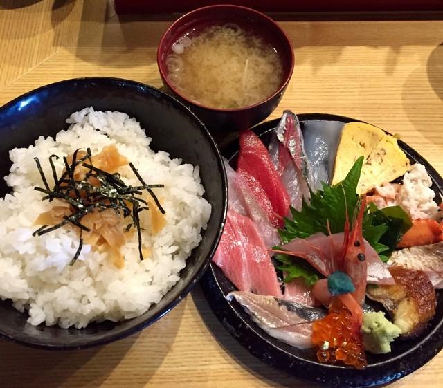 いきいき亭 近江町店 - いきいき亭丼
