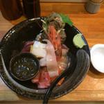 67364869 - 上海鮮丼を大盛りにして¥1,100。
