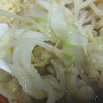自家製太麺 ドカ盛 マッチョ - 野菜はキャベツ多め(2017.3.30)