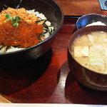 6737837 - 鮭とイクラの親子丼