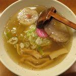 麺&Bar 山 - 塩ラーメンのアップ