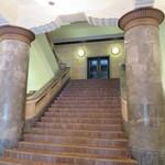 67375083 - この階段を上がります