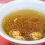 仙台や - セットの醤油スープ。いい味わい。焦がしネギの存在感も良好。