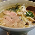 真道 - レア焼豚らーめん750円