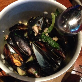 THE RIGOLETTO OCEAN CLUB - ムール貝の白ワイン蒸し