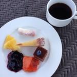シーズンズ カフェ - デザート&コーヒー
