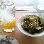 6739966 - アイスゆず茶+季節のサラダ