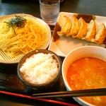 五味八珍 - 担々つけ麺セット