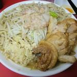 ラーメン二郎 - 大豚(味薄め、麺かため、野菜少々、ニンニク、脂)950円