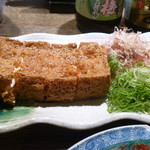 67396677 - 豆腐をお店で揚げた厚揚げ!外はカリカリ、中はトロトロ